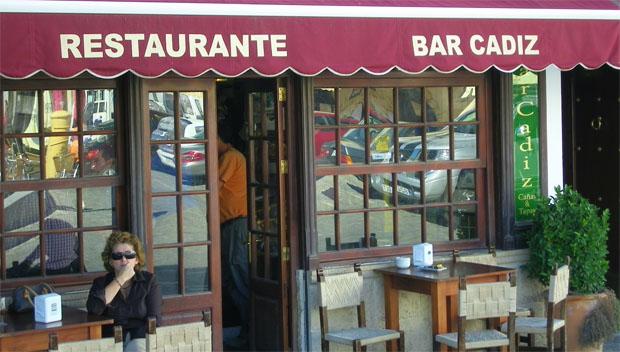 Imagen del Bar Cádiz en la plaza de España de Medina. Foto: Cosas de Comé