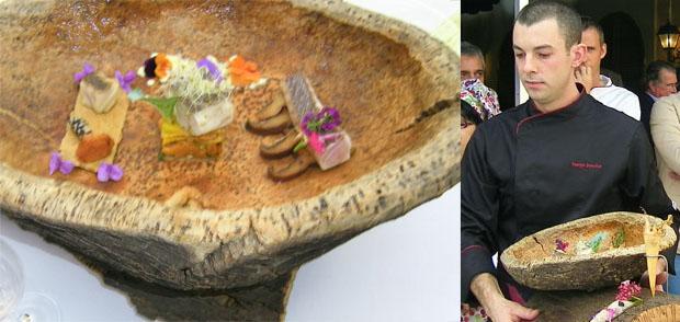 Juan José Sánchez Marabot presentó su creación en un plato de corcho de Los Alcornocales. Foto: Cosas de Comé