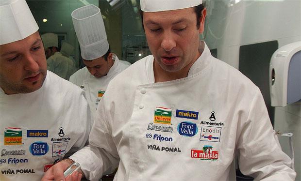 Victor Trochi en las cocinas de la Escuela de Hostelería de Jerez, durante la semifinal. Foto: Cedida por Cocinero del Año