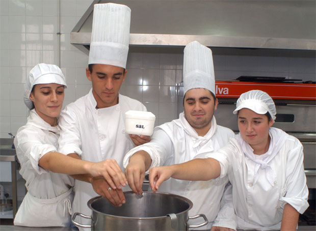 Alumnos Escuela Hosteleria Fernando Quiñones cdc