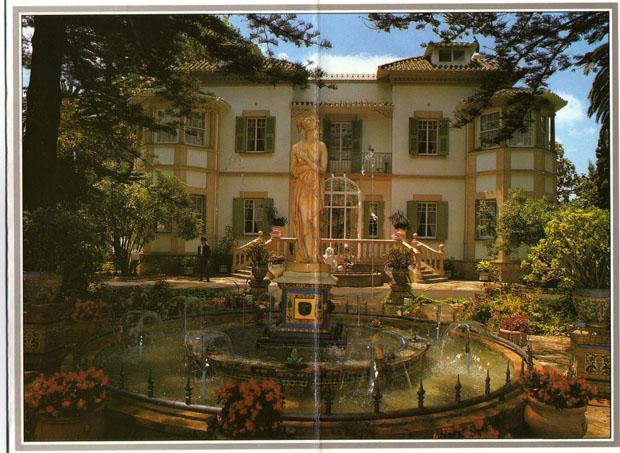 Entrada a Villa Victoria, el palacete que acogió al restaurante Los Remos en su última etapa.