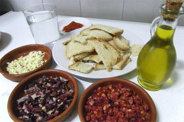 Los ingredientes del abajo del Mesón El Patio. Foto: Cosas de Comé