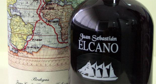 En la botella puede verse serigrafiada la imagen del buque escuela de la Armada española Juan Sebastián Elcano. Foto: Lola Monforte