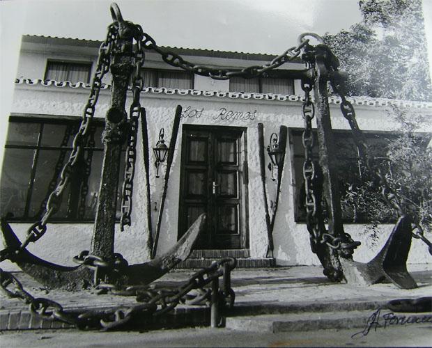 Fachada del primer restaurante Los Remos, fundado en la década de los 50. Foto cedida por Alejandro Fernández y Nati Mateos