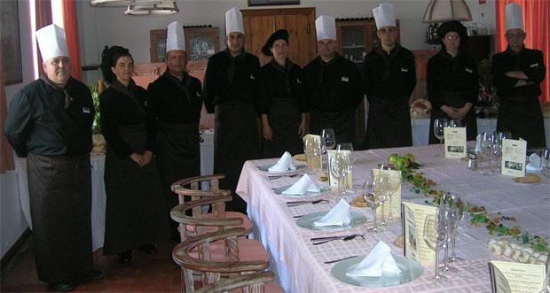 Los cocineros de Tugasa durante la presentación de las nuevas cartas en Vejer. Foto: Cedida por Tugasa