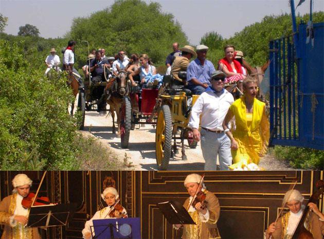 Un momento de un catering que simula una romeria y la orquesta de la boda del siglo XVIII en plena interpretación. Fotos: Gourmet Cobos Catering