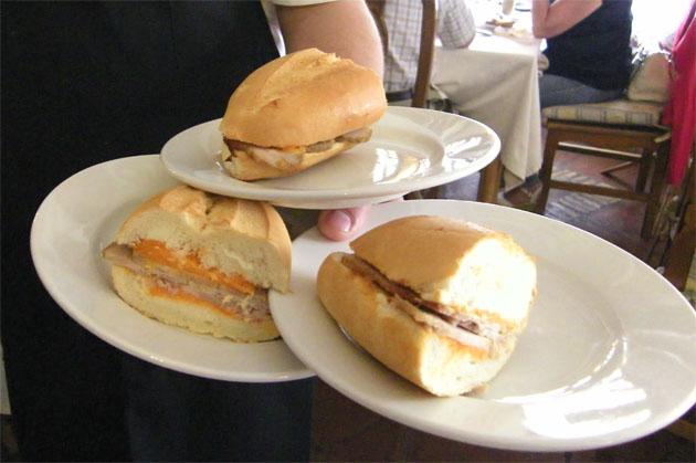 Bocadillos de lomo en manteca de la Venta Pinto. Foto: Cosas de Comé