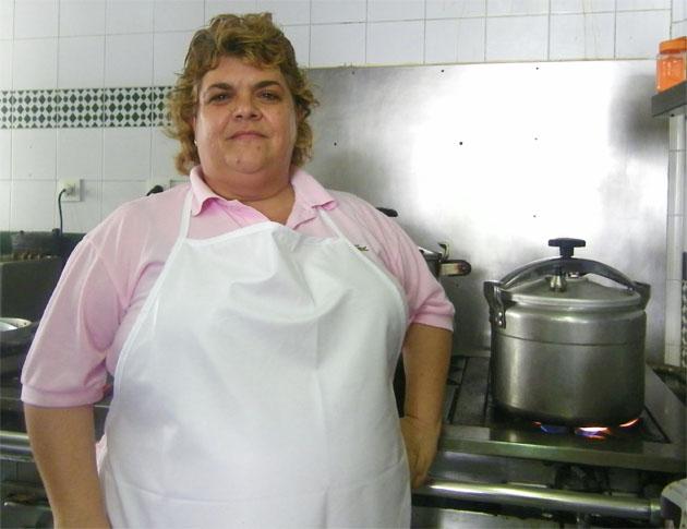 Encarnación Cansino, la cocinera del Bar Las Golondrinas, que ahora también ofrece comida marroquí. Foto: Cosas de Comé