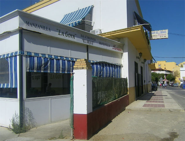 Vista exterior del bar El Dique. Foto: Cosas de Comé