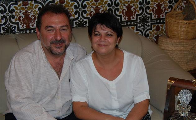 Petri Benitez, cocinera de la Venta Melchor, junto a su marido, Juan Carlos Almazo, que gerencia el establecimiento. Foto: Cosas de Comé.
