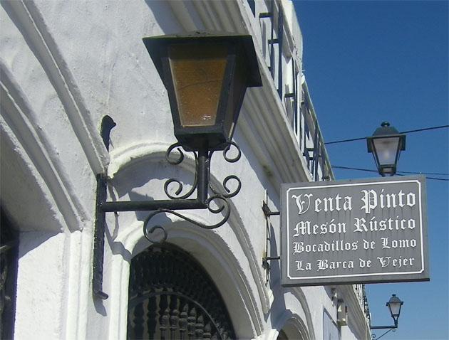 Un cartel anuncia en la Venta Pinto la especialidad de la casa. Foto: Cosas de Comé