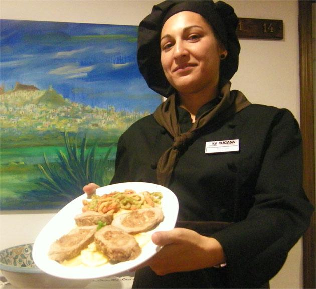 La cocinera de esta receta, Mónica Troya Ramirez, en el hotel Sierra y Cal. Foto: Cosas de Comé