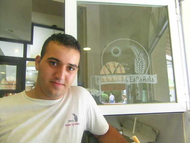 Mohamed Elmaimouni, el churrero de La Española. Foto: Cosas de Comé