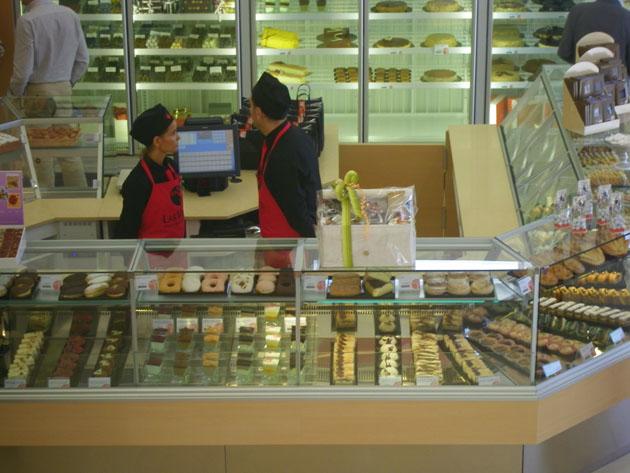 La zona dedicada a la pastelería y los bombones. Foto: Cosas de Comé.