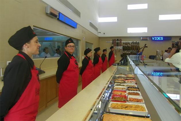 """Zona de platos preparados de la tienda gastronómica """"Las Vides"""". Foto: Cosas de Comé"""