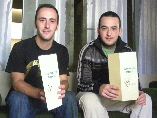 Mario González y Guillermo Fernández, los dos jóvenes cocineros que han puesto en marcha Al Plato. Foto: Cosas de Comé