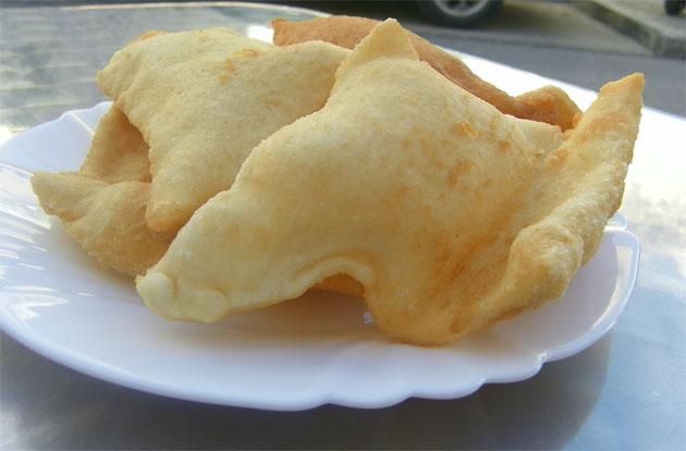 """Ración de tortas de """"maza"""" fritas del Bar El Amanoe de Ubrique. Foto: Cosas de Comé."""
