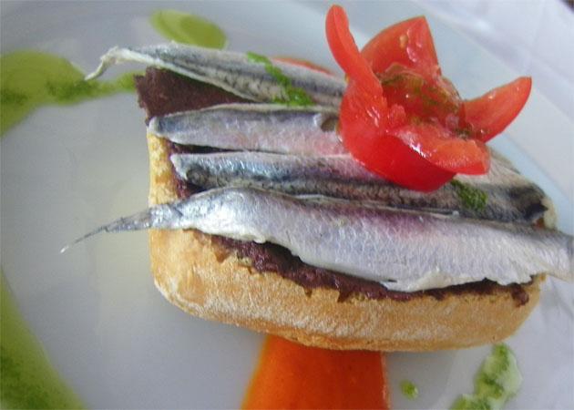 La tosta mediterránea, uno de los platos incluidos en el menú degustación. Foto: Cosas de Comé