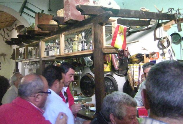 La singular barra de la Herrería de Paco Félix. Foto: Cosas de Comé.
