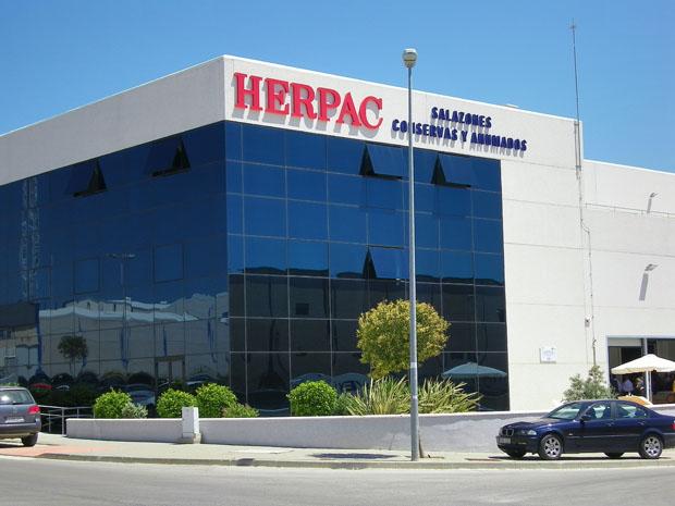 La conservera Herpac de Barbate, una de las que participa en el proyecto. Foto: Cosas de Comé