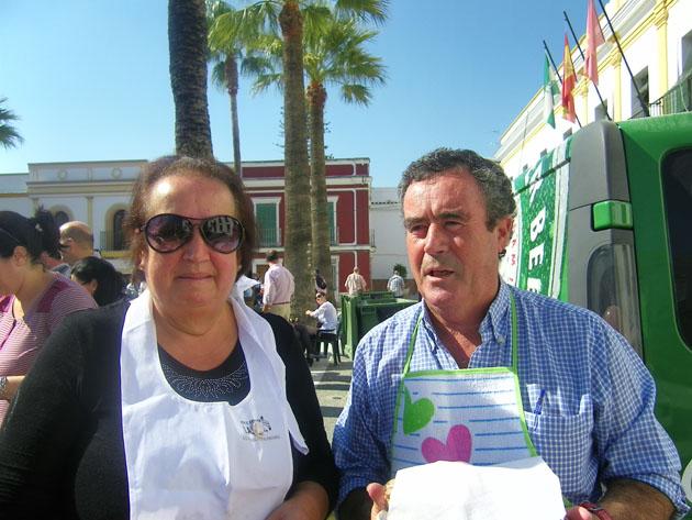 Paloma Martín Arana y Miguebl Bustillo, el matrimonio que he recuperado esta receta tradicional de Trebujena. Foto: Cosas de Comé.
