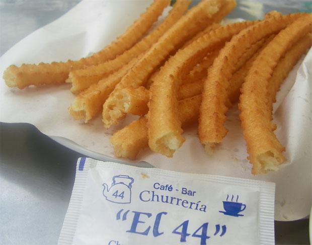 Los famosos churros de El 44 en San Fernando