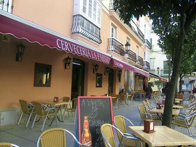 Este es el aspecto exterior de La Parisien, el antiguo café Parisien, tras su remodelación. Foto: Cosas de Comé