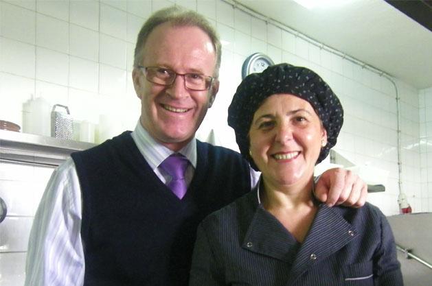 Andrés Rodríguez y Carmen Prieto, los propietarios y fundadores del restaurante Venta La Duquesa. Foto: Cosas de Comé.