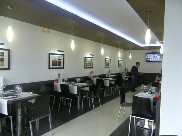 Imagen del comedor del nuevo bar restaurante Caño Herrera. Foto: Cosas de Comé.