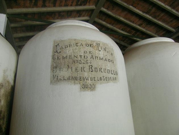 Los depósitos de vino que se exponen en el museo y que fueron fabricados en 1911, hace un siglo. Foto: Cosas de Comé