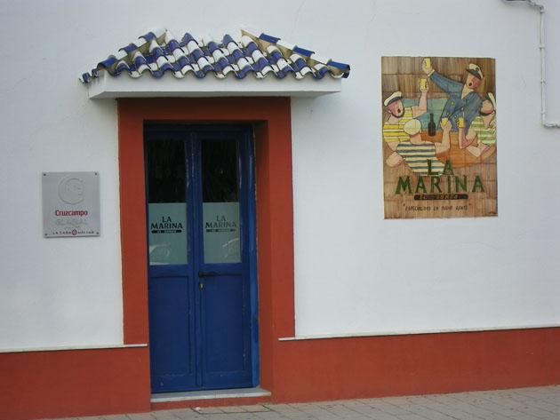 Imagen del restaurante La Marina, ya con sus puertas cerradas. Foto: Cosas de Comé