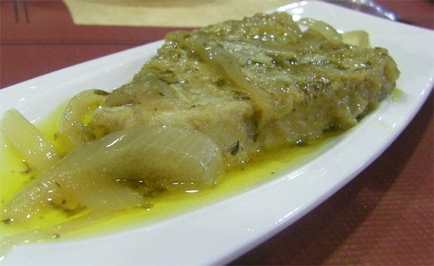 El atún en escabeche del Mesón Lantero, una de las tapas que se ofrecen. Foto: Cosas de Comé.