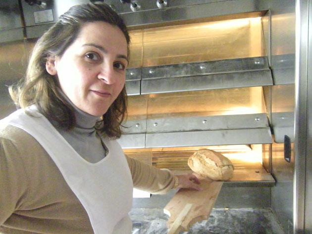 Sagrario Jiménez Reguera la nueva panadera de Benaocaz. Foto: Cosas de Comé
