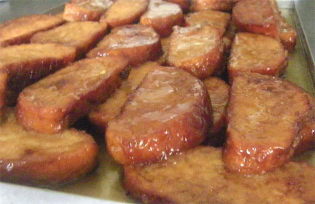 Los dulces de temporada, otra de las apuestas de Tres Martínez. Ahora, en la Cuaresma, ofrecen estas torrijas elaboradas sin vino y con pan de brioche, para hacerlas más ligeras. Foto: Cosas de Comé.