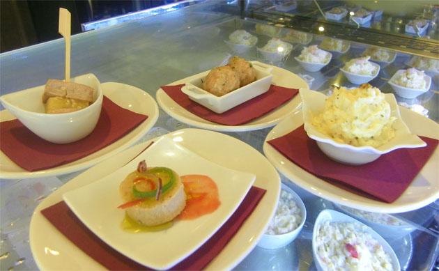 Surtido de mini tapas del restaurante La Andana de Jerez. Foto: Cosas de Comé