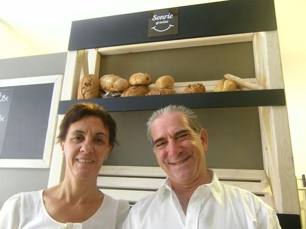 Belen Cionfrini y Jonathan Nagy, los propietarios de la tienda de Cádiz de Panaria. Foto: Cosasdecome